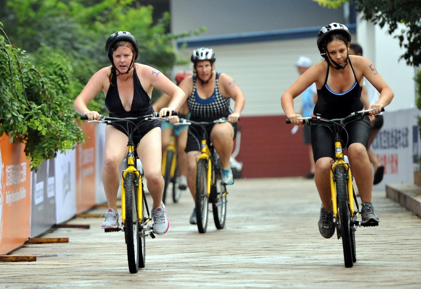 women_bike